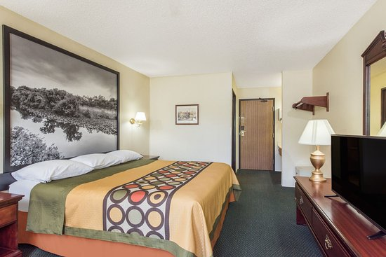 Burnham, PA: Room with King size bed.