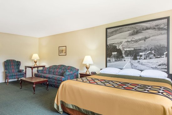 Burnham, PA: Family Suite