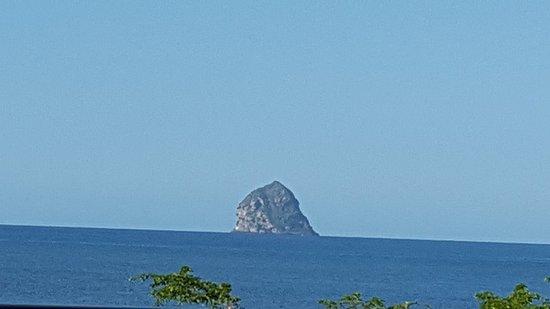Hôtel Corail Résidence : Rocher du Diamant depuis le balcon