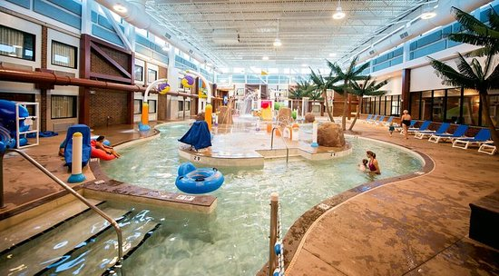 Brookings, SD: lazy river Splashzone Waterpark