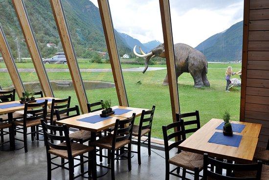 Sogndal Municipality, Norway: Кафе с панорамным остеклением
