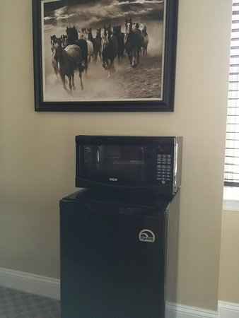 Colts Neck, Nueva Jersey: Refridgerator and microwave in selected rooms, just ask!