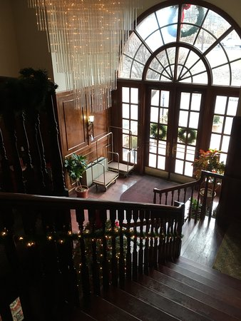 Colts Neck, NJ: Stairway in Lobby