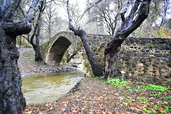 Agios Nikolaos, Chipre: kefalos bridge by swift314