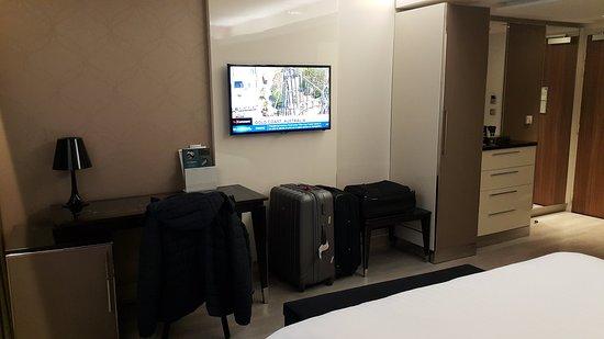Ac hotel paris porte maillot foto de ac hotel by - Hotel meridien paris porte maillot ...