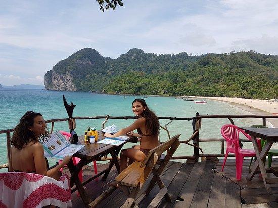 Koh Mook Charlie Beach Resort : Nærliggende spisested - med god wifi
