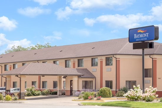 Baymont Inn & Suites Waterloo