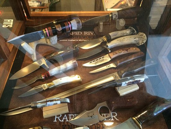 Menominee, MI: Rapid River Knives Dealer