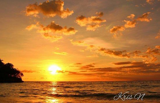 Gumasa Beach: Sunset at Gumasa