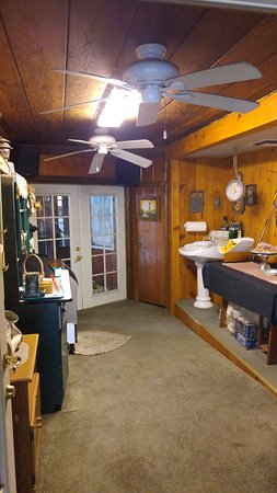 Kernville, CA: kitchen room for guests