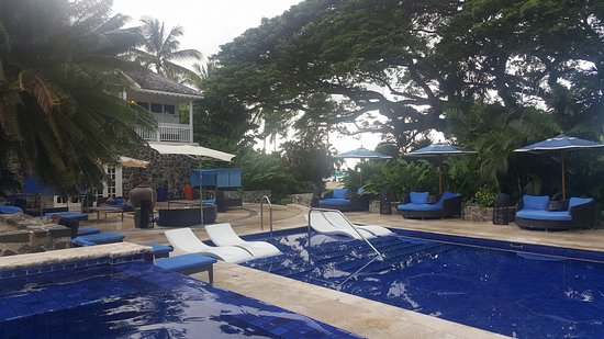 Rendezvous Resort: One of the pools