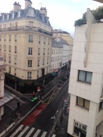 Hotel Le M : View from 4th floor window, Rue le Gait