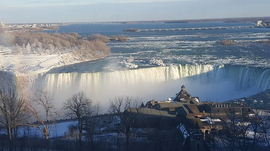 Oakes Hotel Overlooking the Falls: 20161220_154223_large.jpg
