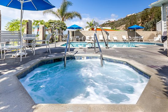 Capistrano Surfside Inn: Outdoor Jacuzzi