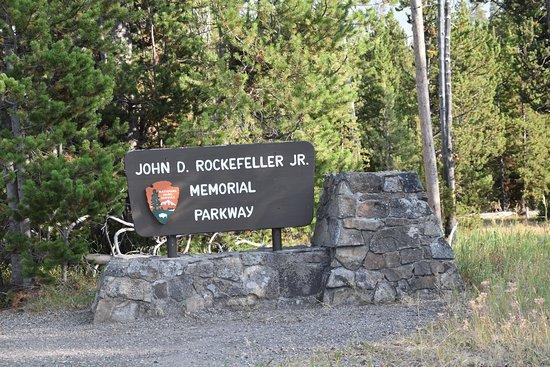 John D Rockefeller Jr Memorial Parkway : Schild
