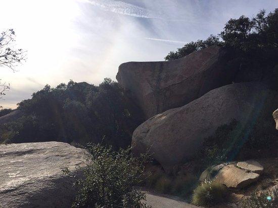 พาวเวย์, แคลิฟอร์เนีย: 沿路景色