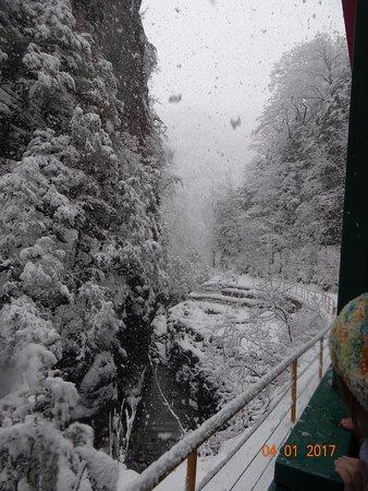 Krasnodar Krai, Rusia: На поезде по ущелью.