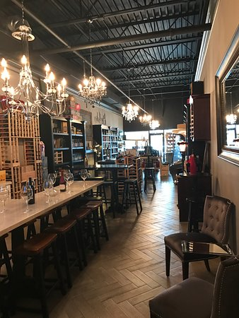 Villa Rica, GA: Wine and Craft Beer Shop