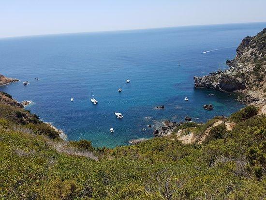 Veduta dalla terrazza - Bild von Cala dell\'Allume, Campese - TripAdvisor