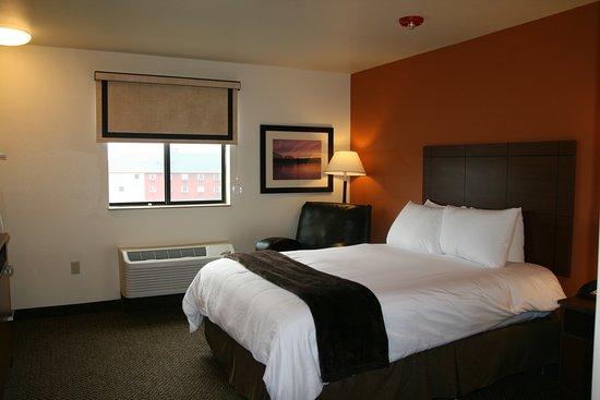 Monaca, Pensilvania: One Queen Bed with Recliner