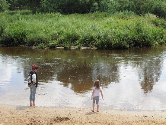 De Lutte, เนเธอร์แลนด์: la rivière du lutterzand, très calme mais attention, éviter la baignade!