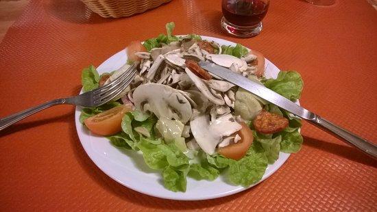 Loudeac, France : Salade