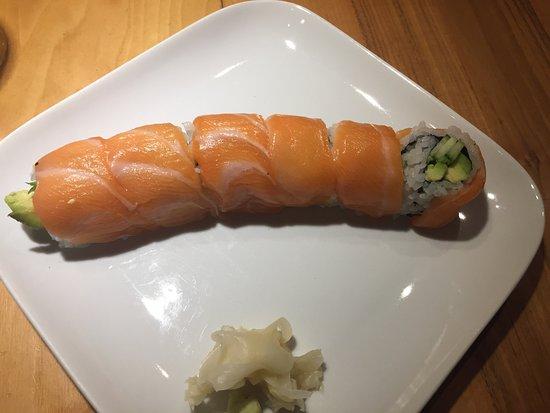 Tokyo Sushi Bar: photo1.jpg