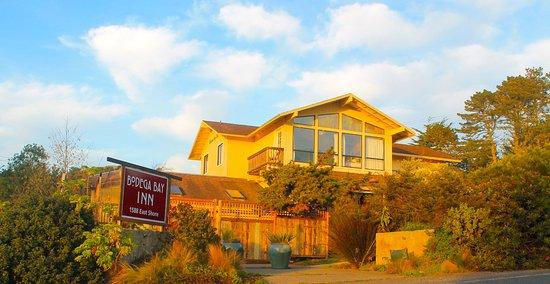 Bodega Bay Inn: Front Entrance