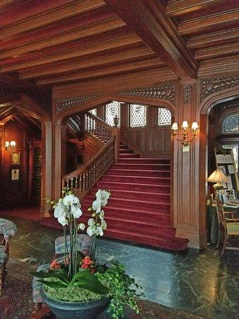 Lenox, MA: Mansion stariway.