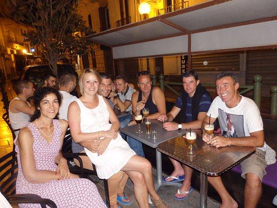 Thuir, France: c est moi pat le premier a droite !! tres belle terrasse