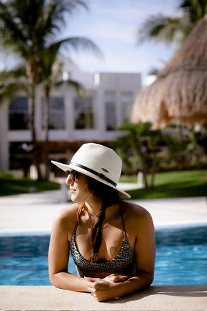 Excellence Playa Mujeres: Another great day at the pool