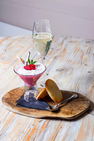 Buckingham, UK: Champagne and Raspberry Posset January Menu