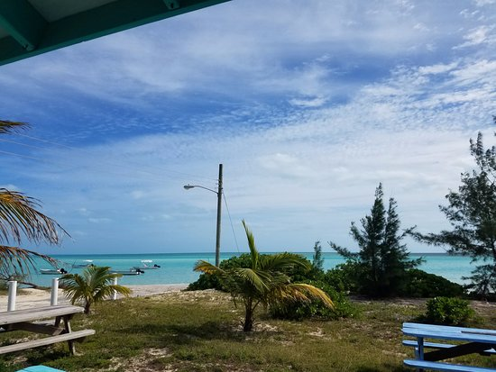 Bahamas Out Island Adventures - Day Trips: Picnic lunch after kayaking and snorkeling