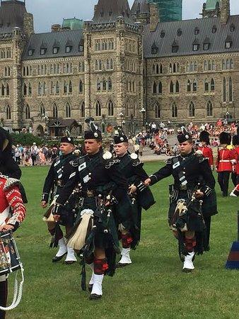 Ottawa, Canada: La garde de cérémonie d'honneur des Forces armées canadiennes