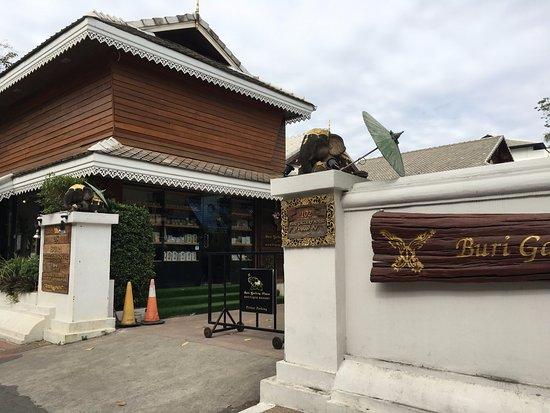 Buri Gallery House-bild