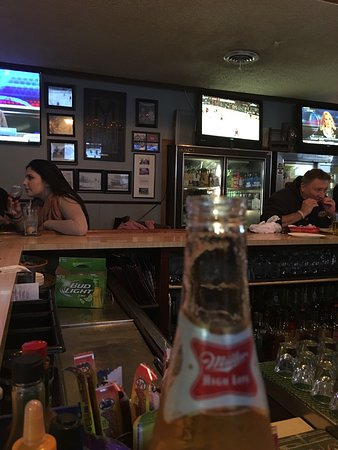 Souderton, Pensilvania: This place is the ultimate hometown bar. Come here for the great wings, but don't feel left out