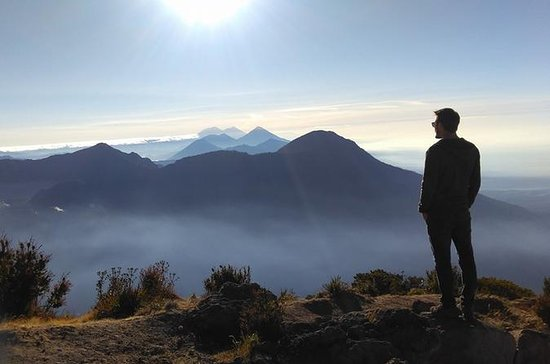 10-Day, Four Volcano Hike Tour in...