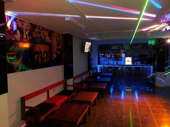 Azogues, Ecuador: Disco and karaoke hall