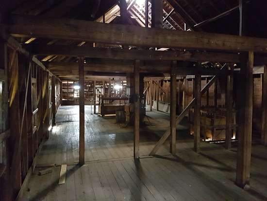 Longford, Australia: Inside the massive shearing shed
