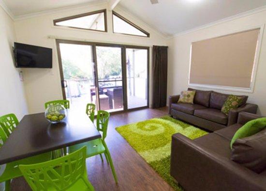 Esk, Australien: Cabin 10 lounge