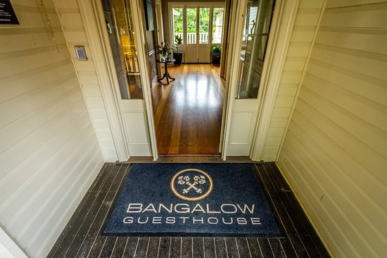 Bangalow Guesthouse: Entrance