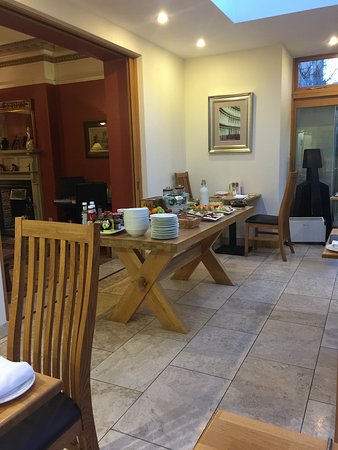 Dorian House: The many choices available for a continental breakfast