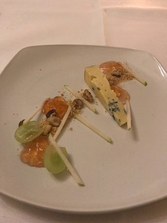 Cuckfield, UK: Brighton Blue Cheese Apple, Walnut, Sauternes Jelly