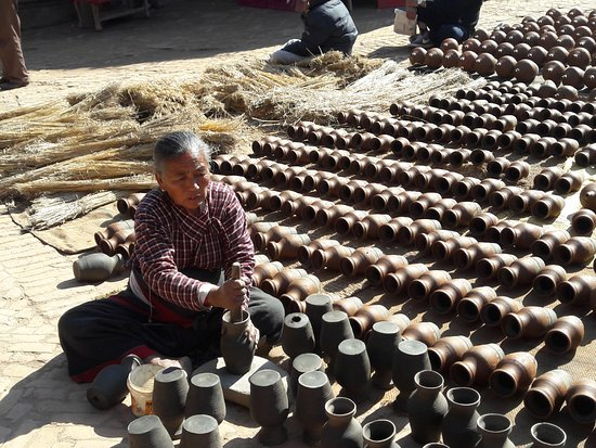 Bhaktapur, Nepal: pottery square1
