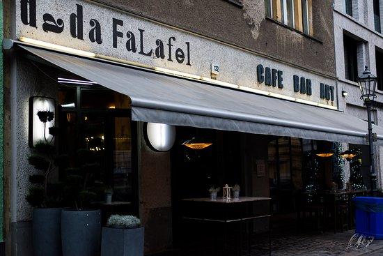 Dada Falafel: la vista da fuori.