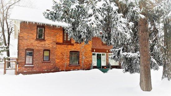 Entrance - Picture of Bunk+Brew Historic Lucas House, Bend - Tripadvisor