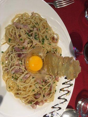"""Anzère, Suiza: Restaurant """"Au Chalet"""""""