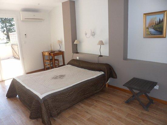 Rognonas, Francia: Chambre