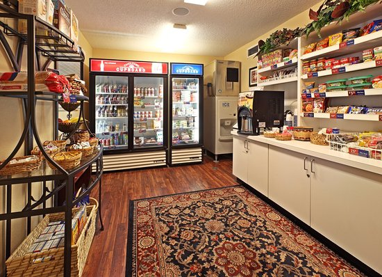 Rogers, AR: Candlewood Cupboard