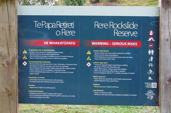 Rere Rockslide: Warning board